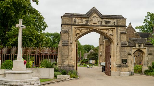 West Norwood Cemetery entrance